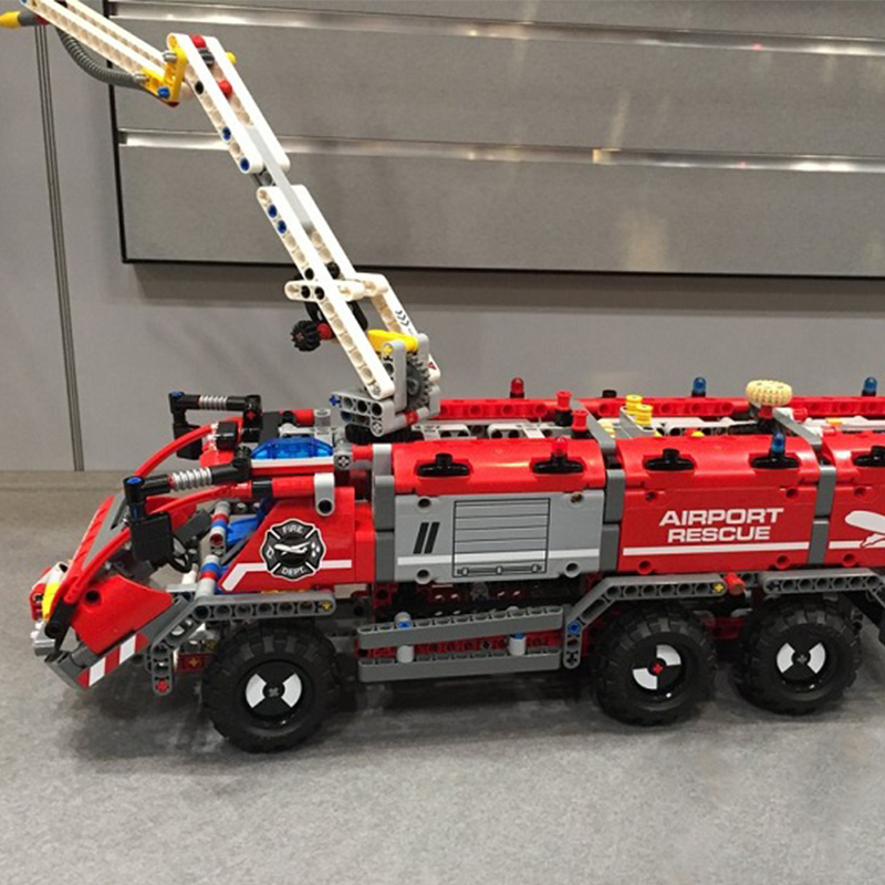 Compatible Legoe Technic Series 42068 Lepin 20055 The Rescue Vehicle Set building blocks Figure bricks toys for children new lepin 16009 1151pcs queen anne s revenge pirates of the caribbean building blocks set compatible legoed with 4195 children