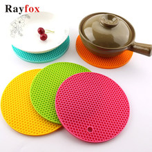 Kitchen Tools Gadgets 18/14cm Silicone Mat Heat Resistant Cup Mat Coasters Round Non-slip Table Placemat Kitchen Accessories M.(China)