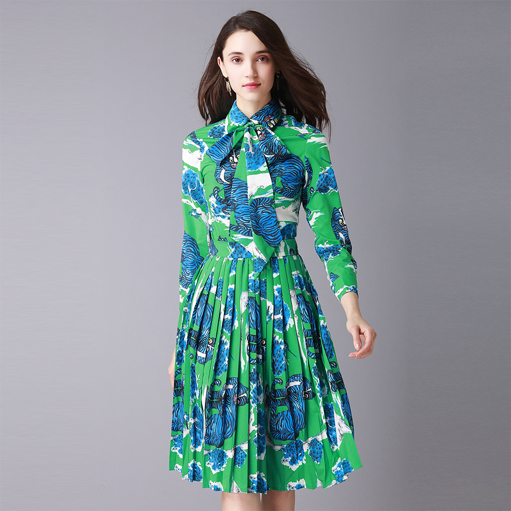 2018 Spring Pretty Women 2 Pieces Print Green Sets High Quality Bow Shirts + Knee Length Pleated Skirts Female Slim Suits