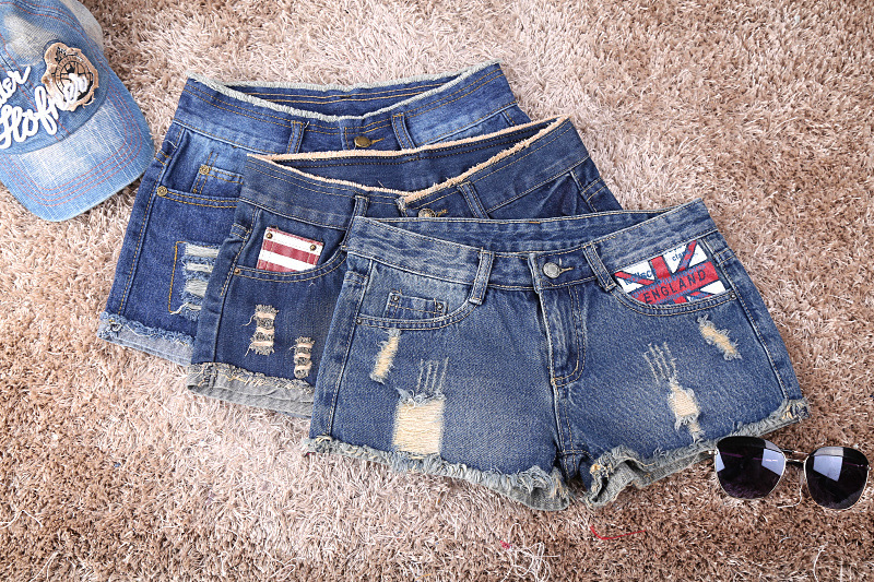 Summer Korean printing hole denim shorts female Was thin loose big yards burr nostalgic denim shorts female Hot pants explosion of 2016 summer book kinds of men s denim shorts elastic hole loose straight slim pants breathable male five