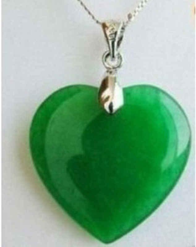 จัดส่งฟรี>> สีเขียวหยกรูปหัวใจจี้เงิน/สร้อยคอ