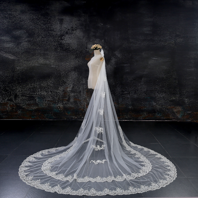 SPANISH BRIDAL MANTILLA BEADED VEIL WEDDING CATHEDRAL LACE VEIL IN CHAMPAGNE