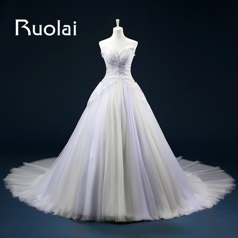 2017 Stunning Tulle Ball Gown Bröllopsklänningar Sweetheart Sweep Train Ärmlös Beading Off Shoulder Bridal Gown Anpassa