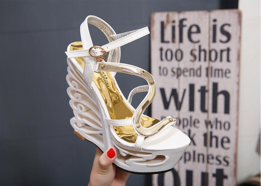 Sandálias de Verão Centímetros de Salto Alta Qualidade Bracelete Sexy Calcanhar Estilo Estranho Mulheres Sapatos Retro Novidade 15 Alto Boate Sapatos