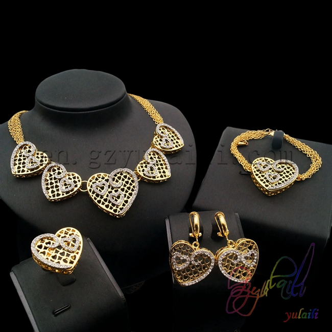 Livraison gratuite mode grand bijoux affichage bijoux tendances 2016 filles robes de fête coeur dentelle belle à la mode Dubai bijoux ensemble