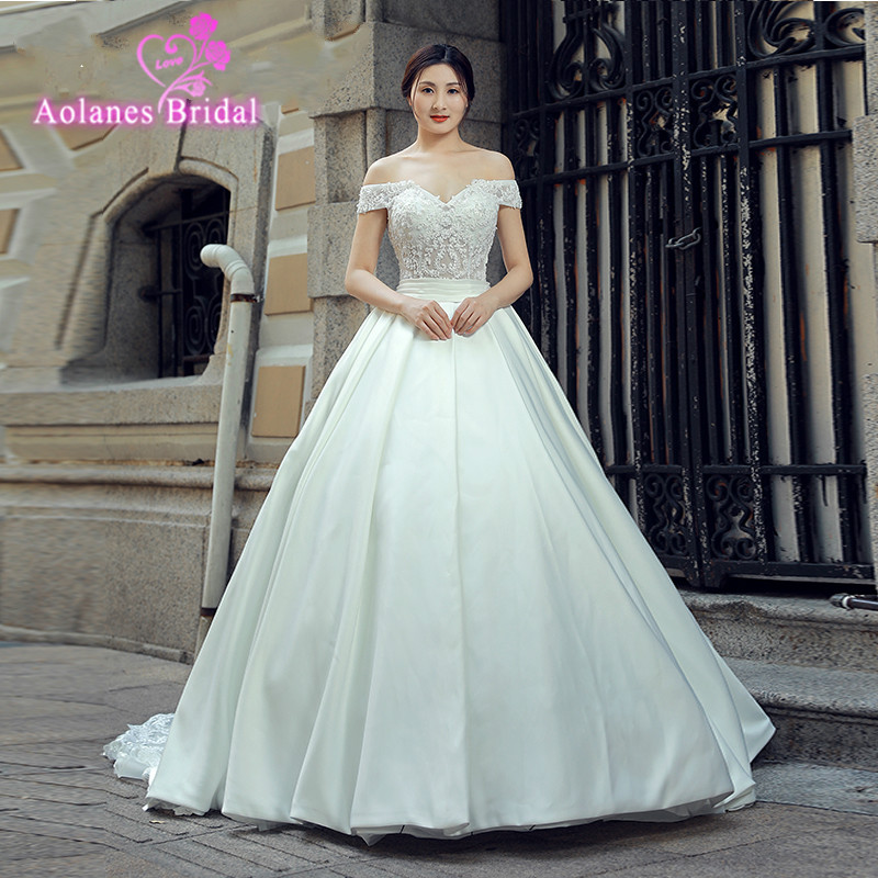 Custom Dream Angel Vestido De Noiva Sleeve Vintage Wedding Dresses 2018 Sexy Appliques Sweep Train Matte Satin Lace Bride Gowns