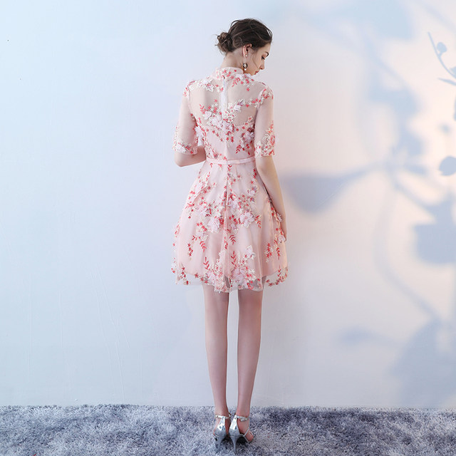 Vestidos de fiesta cortos de media manga