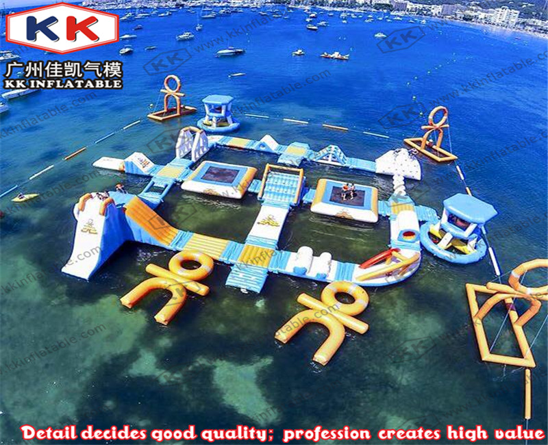 Floating Inflatable Water Park Entertainment Wake Island For Beach