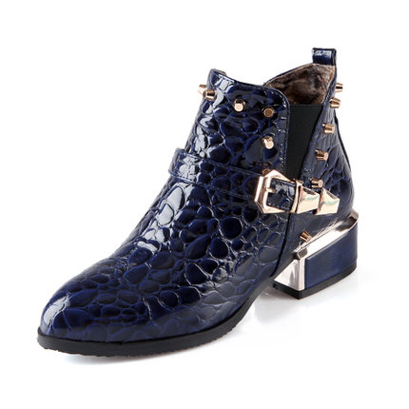ФОТО Rivet Women Motorcycle Boots 4cm Heels PU Leather Footwear Retro Pointed Toe Ankle Boots Shoes Woman Paisley Buckle Design Boots