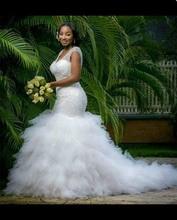 Fesyen Layered Lace Appliques Mermaid Wedding Dresses 2018 Buttons V neck Backless African Dreaming vesRobe De Mariage