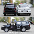 1:32 Volkswagen toyota coche de policía de juguete creativo SUV coche patrulla wagon tira del coche modelo acústico-óptica de aleación modelo de juguete del juego regalo