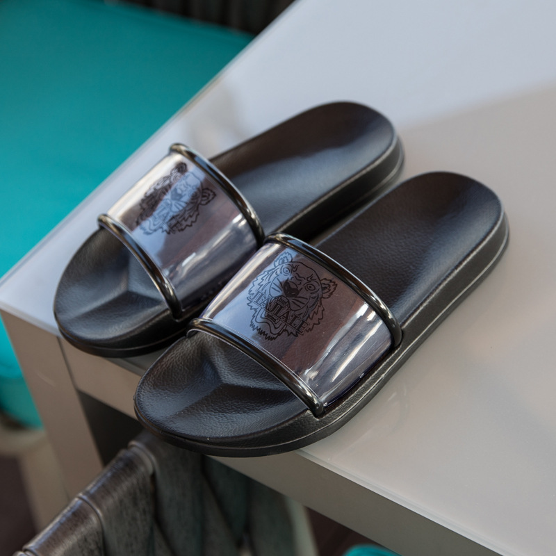 High quality Fashion indoor summer womens Slippers sandals flats shoes non-slip EVA men slippers Slides Beach flip flops High quality Fashion indoor summer womens Slippers sandals flats shoes non-slip EVA men slippers Slides Beach flip flops