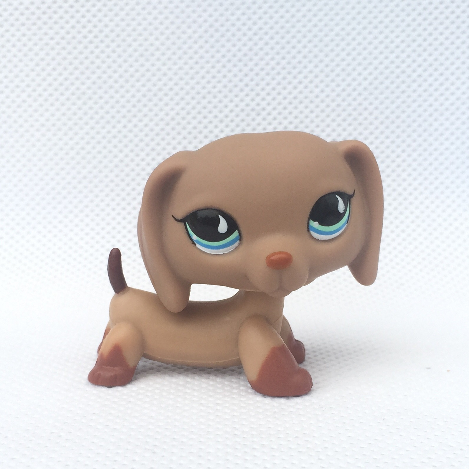 pet shop toys Collection figure Gift Dachshund Wiener Dog Teardrop blue Eyes 2 #518 pet shop toys dachshund 932 bronw sausage dog star pink eyes