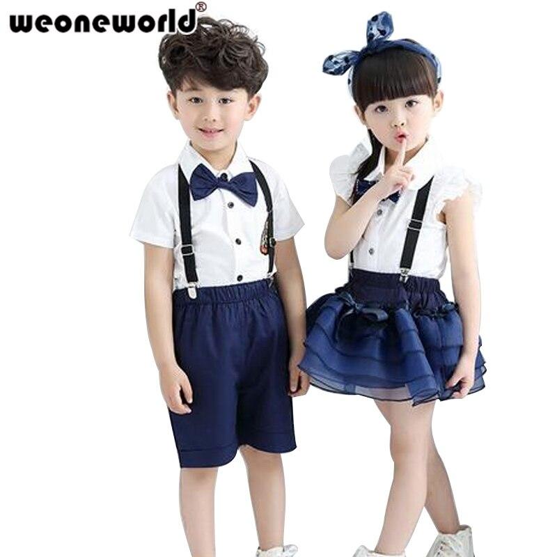 девочки в униформе и парень