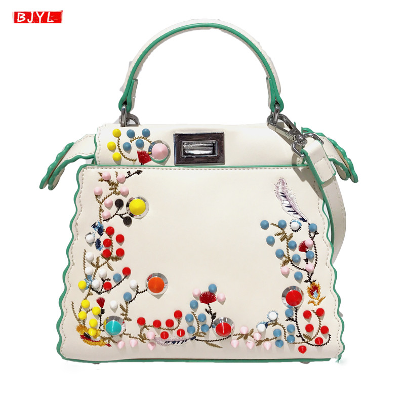 Casual fashion Womens handbags 2019 new Messenger bags female shoulder crossbody bag women embroidery rivet bags bolsa femininaCasual fashion Womens handbags 2019 new Messenger bags female shoulder crossbody bag women embroidery rivet bags bolsa feminina