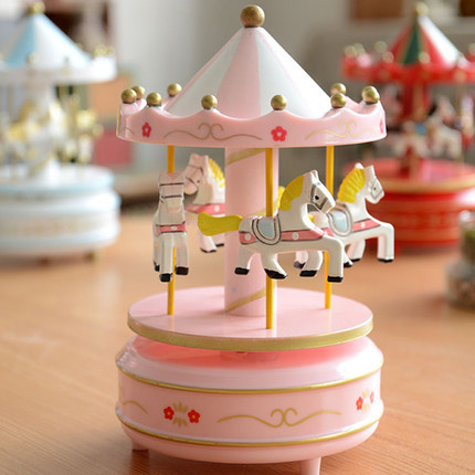 Romantic Merry Go Round Music Boxes 1PC Zakka Hand Cranked Wooden Musical Carousel Wedding Birthday Crafts Gifts