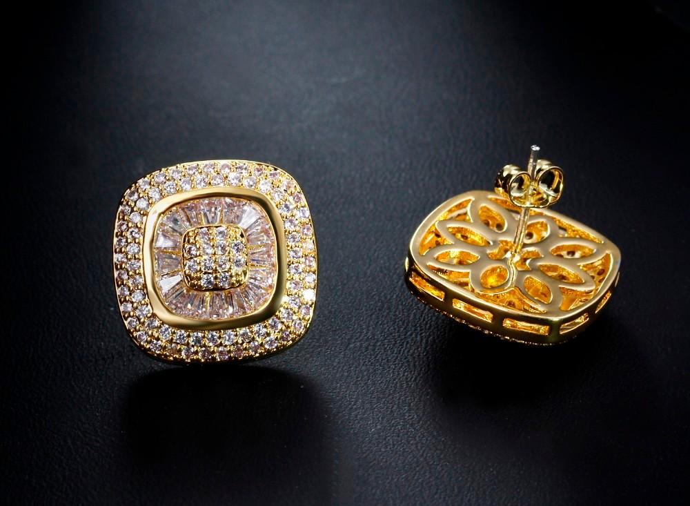 Square stud earrings (2)