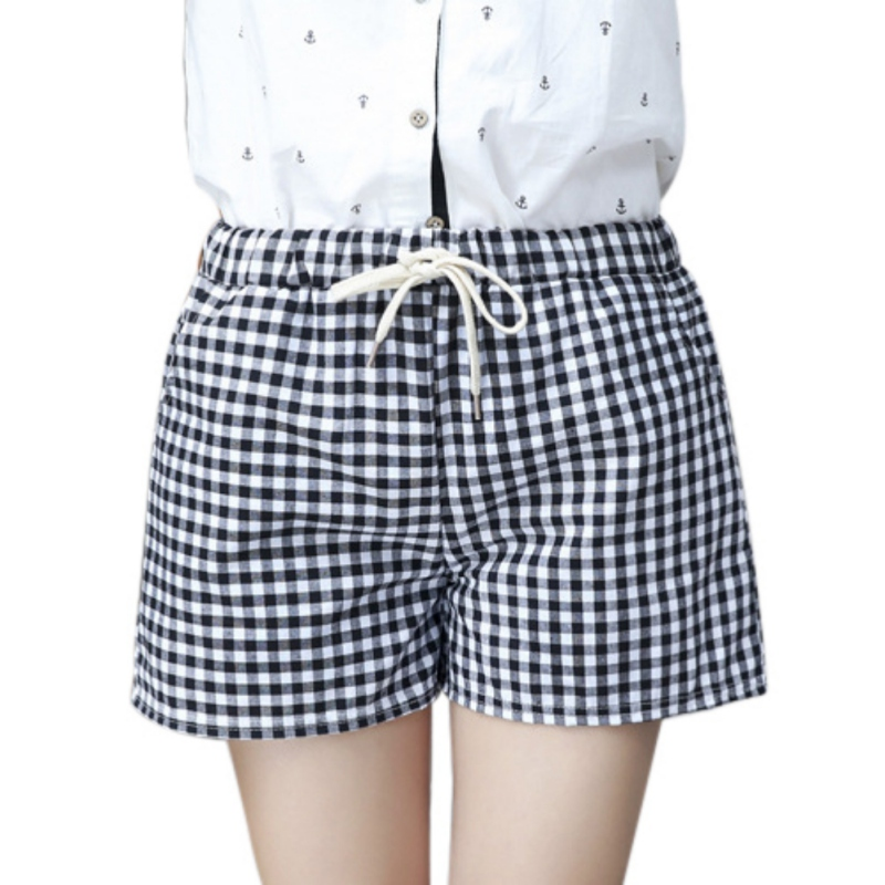 Black And White Plaid Shorts 2018 Summer Style New Fashion Casual Loose Big Yards Elastic All-Match Women Shorts