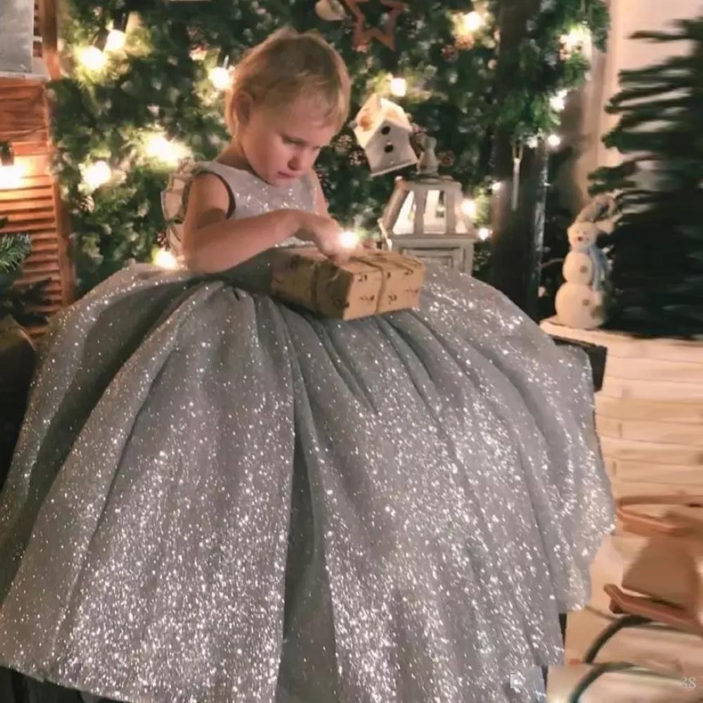 Lovely Silver Sequined Flower Girl Dresses Floor Length Ball Gown Backless Girls Communion Dress Kids Formal Wear