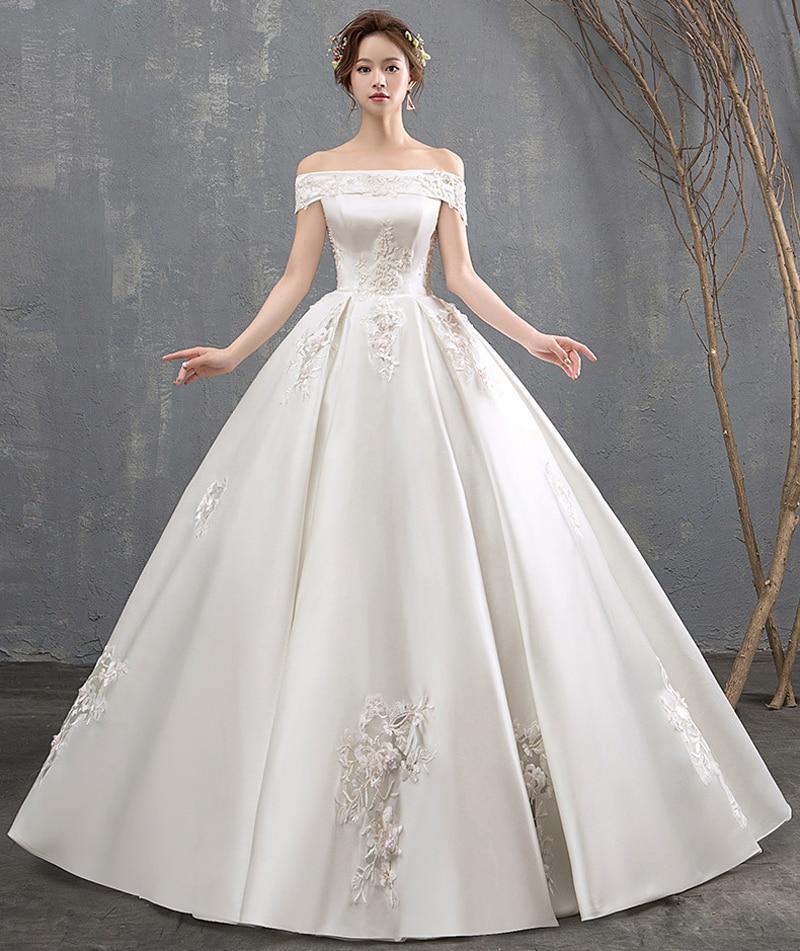 Luxury Boat Neck Short Sleeves Ivory Beautiful Lace Embroidery Satin Wedding Dress Saudi Arabia Bridal Wedding Gowns Dubai