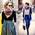 2017 Nuevo de alta calidad otoño invierno bufandas de lana mantener caliente suave de doble uso de algodón chal hechizo celosía de color rayas bufanda de las mujeres