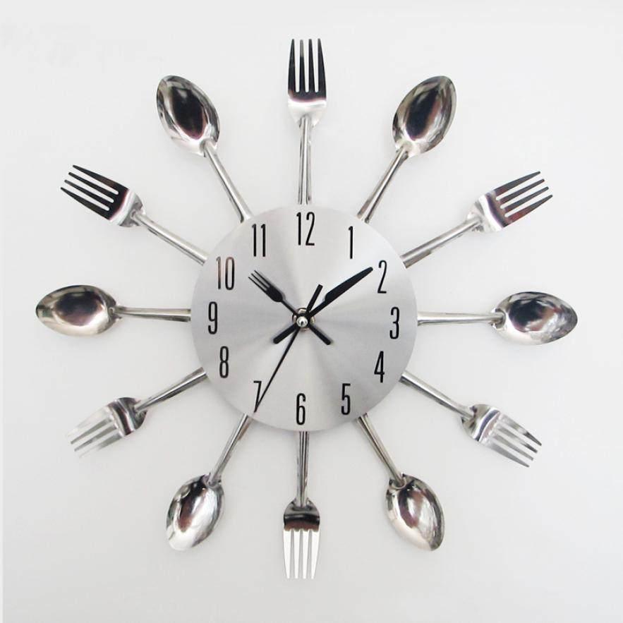 e8d87a24b2a Utensílio de Cozinha de Design moderno Talheres Sliver Relógio de Parede  Garfo Colher Relógio June8 Transporte