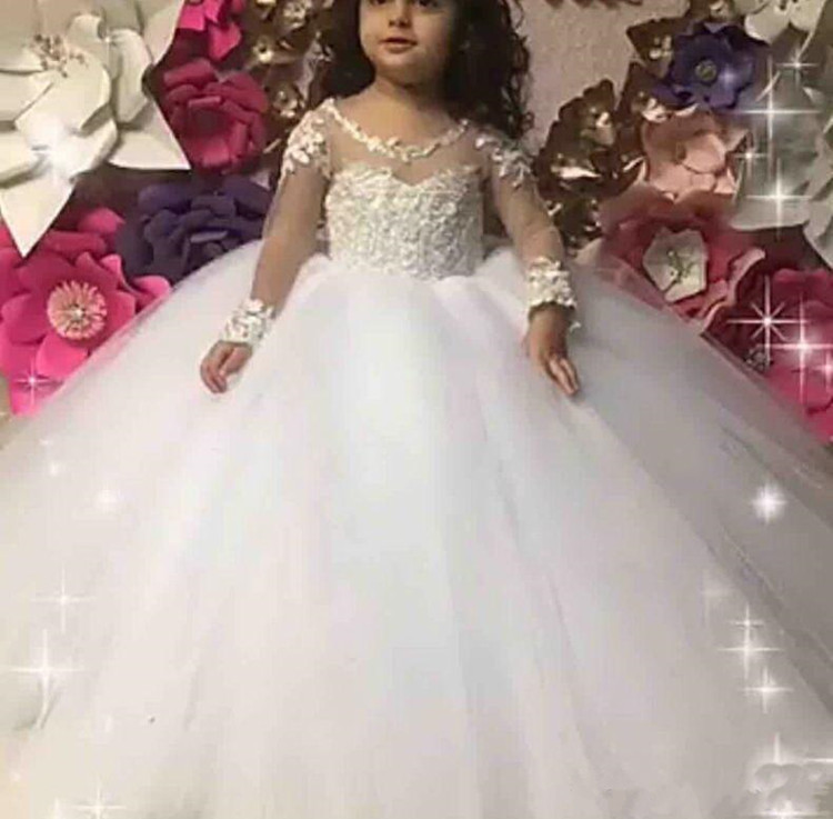 Puffy Tulle Flower Girl Dress with Lace Appliques Long Sleeves O-Neck Buttons Designed For Special Occasion Formal Wears CheapPuffy Tulle Flower Girl Dress with Lace Appliques Long Sleeves O-Neck Buttons Designed For Special Occasion Formal Wears Cheap