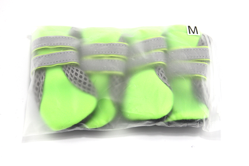 2018 New Dog Shoes For Small Big Dogs Breathable Comfort Soft Fabric Anti-slip Sole Night Reflective Net Pet Shoes 301