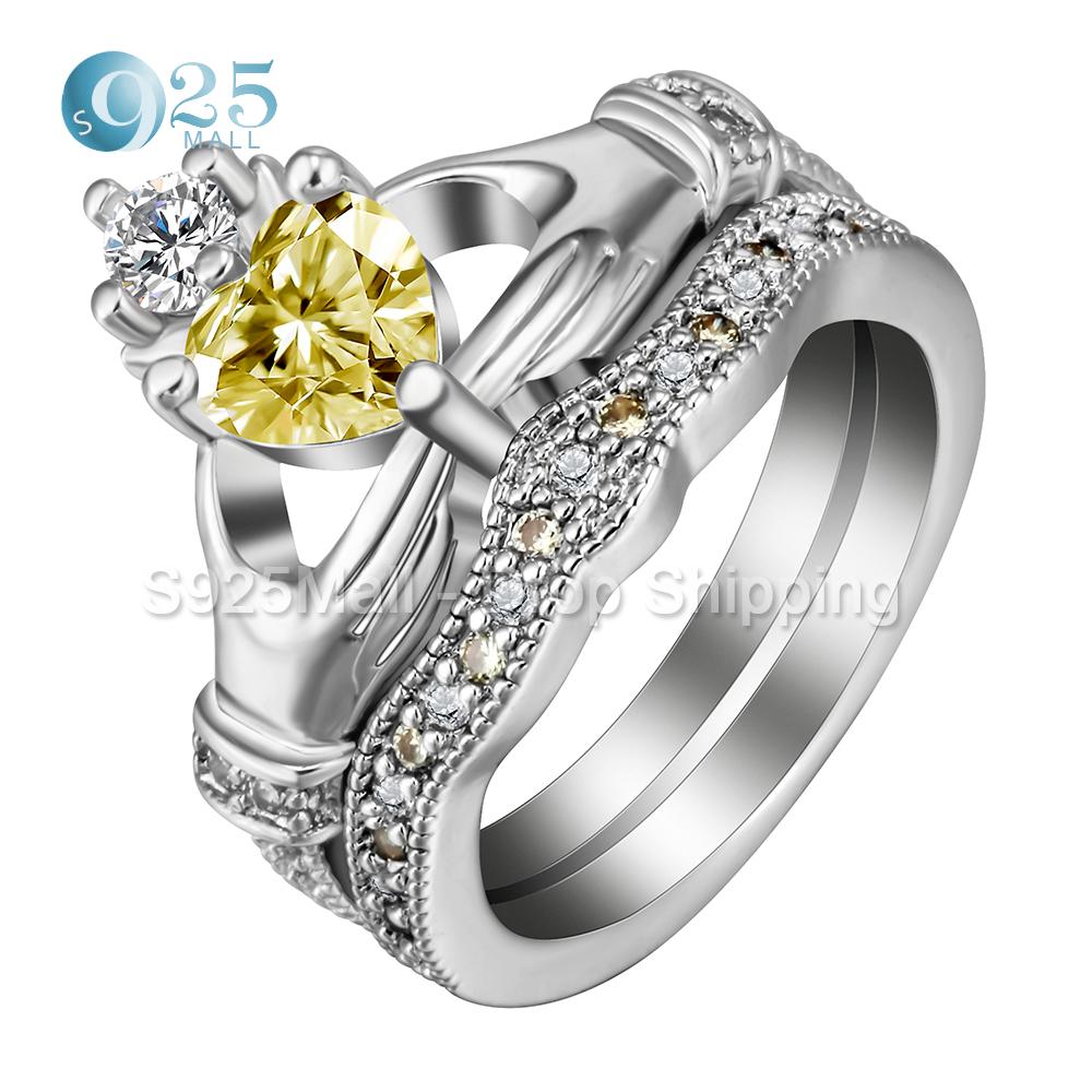 moda estilo claddagh mano al anillo del corazn con oro blanco de color amarillo cz corona