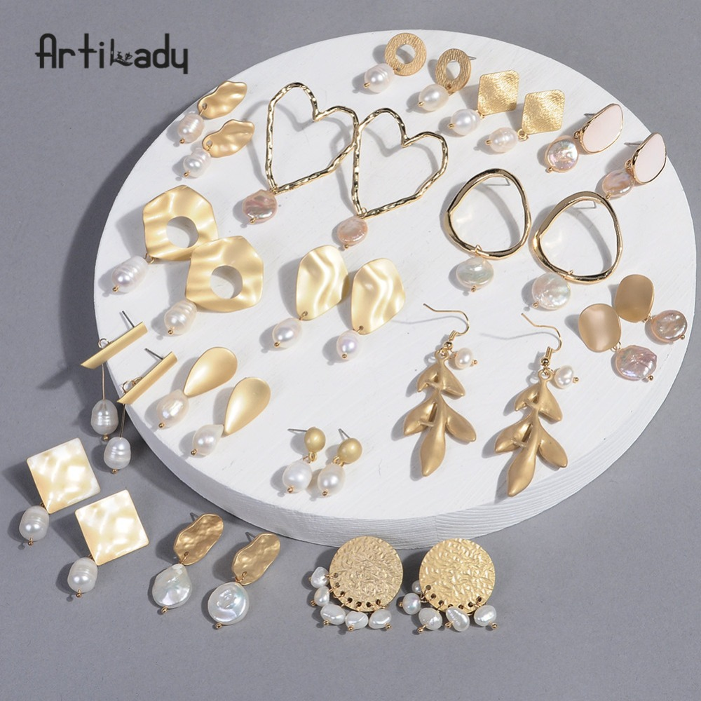 Artilady קוריאני עגילי פנינת הבארוק לנשים עבור בנות זהב משתלשל עגילי יום הולדת מתנות לנשים