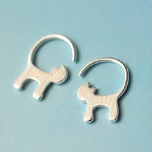 New Fashion Animal Long Tail Cat Stud Earrings for Women Tiny Kitty Earrings Party Gifts