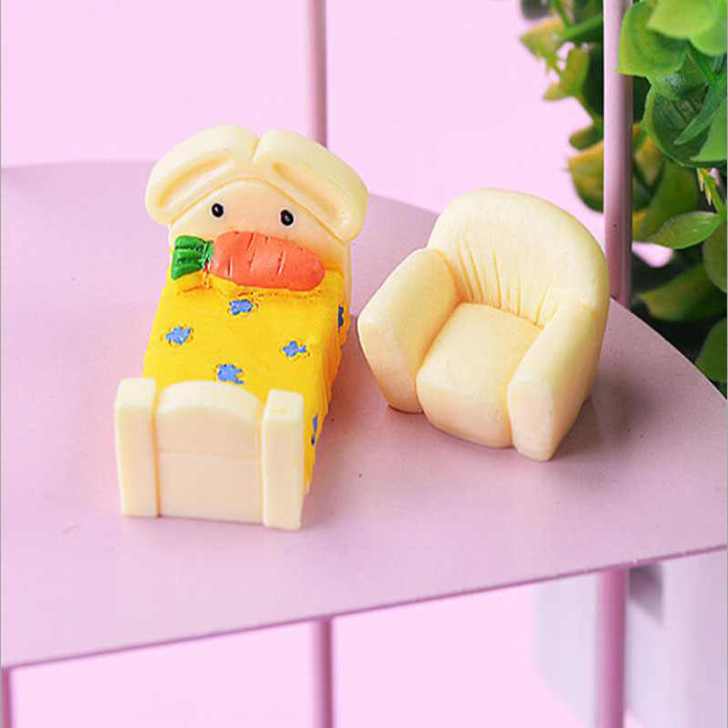 Radish cama musgo suculento Micro-paisaje ecológico botella accesorios pequeño mobiliario resina proceso DIY decoración para el hogar
