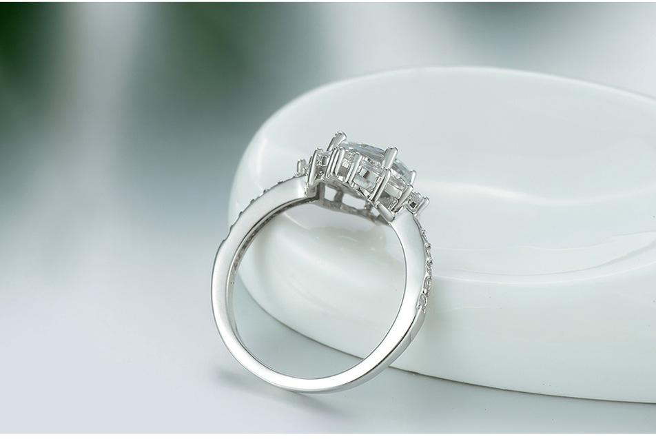 Женское Обручальное кольцо из серебра 2019 пробы с крупным Цирконом