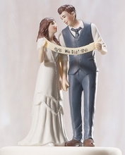 We Got Married Bride And Groom Wedding Props Cake Topper Home Decor High Grade Resin Figurine Craft Gift Party Cake Stand