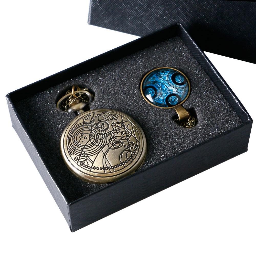 Prix pour Bronze couleur Doctor Who thème Antique montre de poche avec le dr qui symboles conception dôme de verre pendentif emballage avec boîte - cadeau