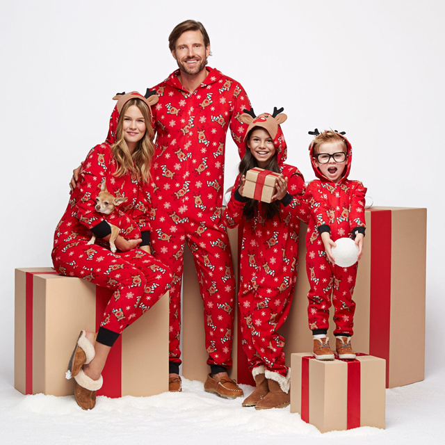 8a0380f387 Lovely Family Matching Christmas Pajamas Set Mom Dad Infant Baby Deer  Sleepwear Rompers Jumpsuit Nightwear Zipper Cute Outfit