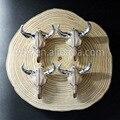 WT-P704 Moda nova cabeça de búfalo gado gado pingentes em resina de prata pingentes para colar últimas designs pingentes pingentes de jóias