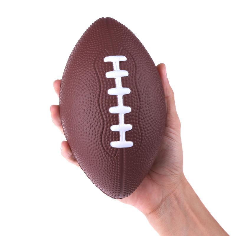 5b74694f974ef Mini Padrão Macio Da Espuma do PLUTÔNIO de Futebol Americano De Rugby  Futebol Squeeze Bola Adultos Crianças Presente de Natal Aniversário de  Futebol (Cor ...