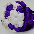 Rose de seda satén blanco artificiales accesorios de la boda dama de honor del grano de la perla de la cinta bridal bouquet purple crystal wedding bouquets