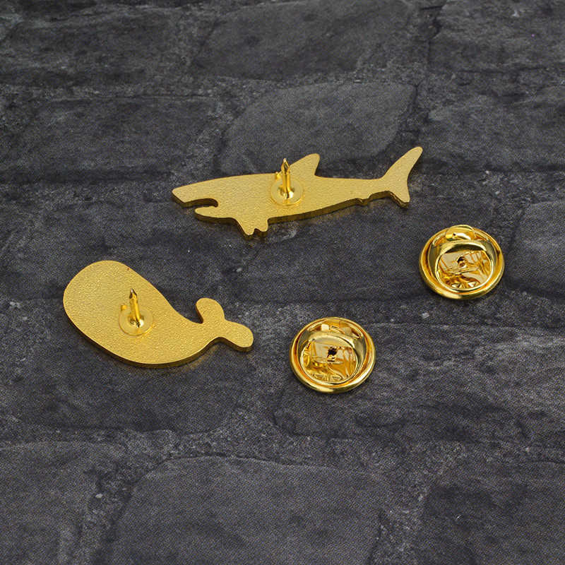 Vida Marina alfileres de dibujos animados tiburón delfín globo pez ballena broches insignias mochila esmalte alfileres para niños regalos joyería al por mayor
