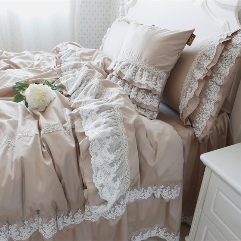 Luxury embroidery wedding bedding set lace ruffle duvet cover elegant bed sheet bedspread