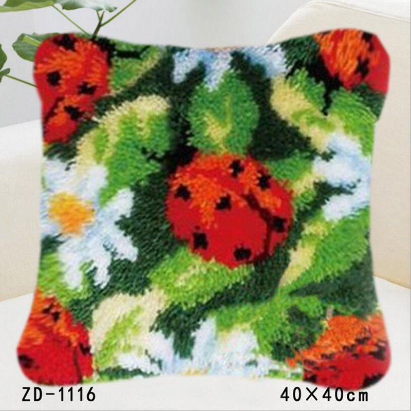 Knooppakket Ladybird Flowers Embroidery Pillowcase DIY Needlework Unfinished Crocheting Cushion Kits Canvas Crafts Hold Pillow