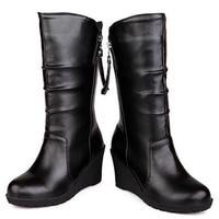 أزياء سوداء النساء أحذية جلد طبيعي الشتاء احذية عادية الأخفاف حذاء امرأة إسفين الأحذية اليدوية أحذية منتصف العجل