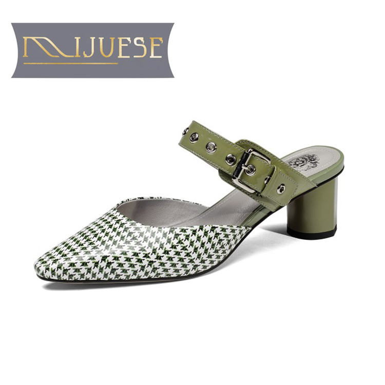 MLJUESE 2018 women slippers summer Genuine leather Metal slip on pointed toe Green color pumps slides sandals women mules
