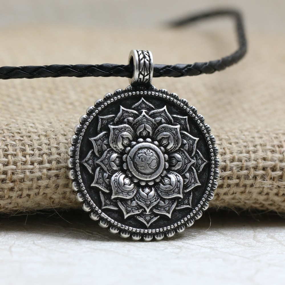 LANGHONG 1pcs Retro Tibet Spiritual Necklace Tibet Mandala pendant Necklace geometry amulet Religious jewelry langhong 10pcs the om necklace tibet mandala necklace tibet spiritual necklace geometry amulet religious jewelry