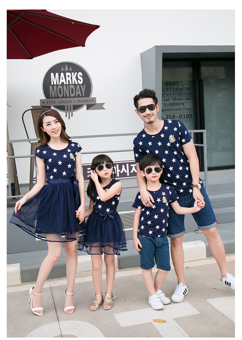 HTB1jwdwaiYrK1Rjy0Fdq6ACvVXaX - Summer Cotton Family Matching Outfits Mom And Daughter Mesh Dress Dad Son Blue White Stars Short T-shirt Children Clothing
