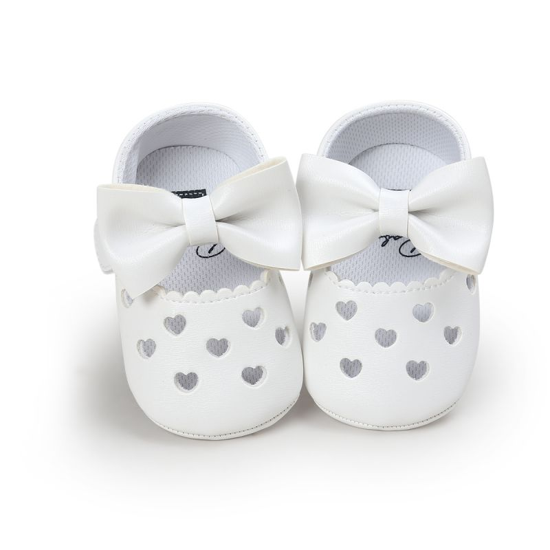 Newborn Baby Girls Shoes Hollow Out Princess Style Heart-Shaped Bowknot Crib Bebe Kids Soft First Walkers Shoes 2016 brand children shoes bebe leather flower patter spliced shoelace girls baby first walkers sneakers shoes tenis bebe kids