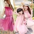 Новые приходят матери-дочери летом Sandbeach стиль одежды мама и дочь без рукавов свободного покроя цветочное платье родитель - ребенок наряд