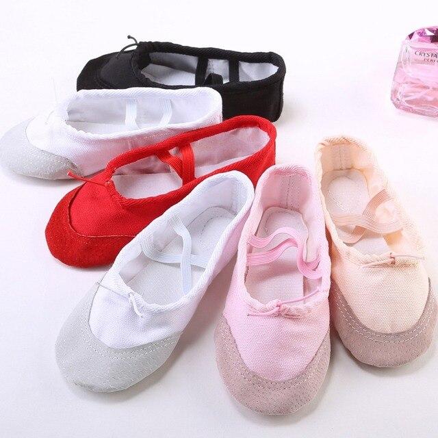Enfants Chaussures De Danse Femmes Semelle Souple Filles Ballet Chaussures  Adulte Gymnastique Acrobaties Chaussures Yoga Chaussures 692e7f764766