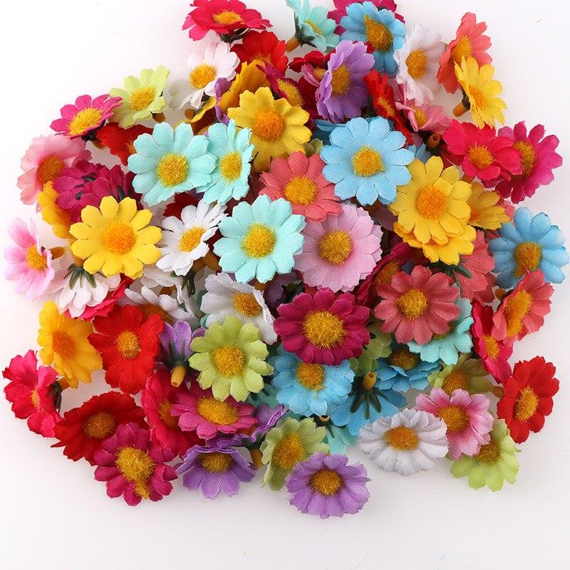 100Pcs/lot 2.5cm Mini Daisy Decorative Flower Artificial Silk Flowers Party Wedding Decoration Home Decor Garland Material